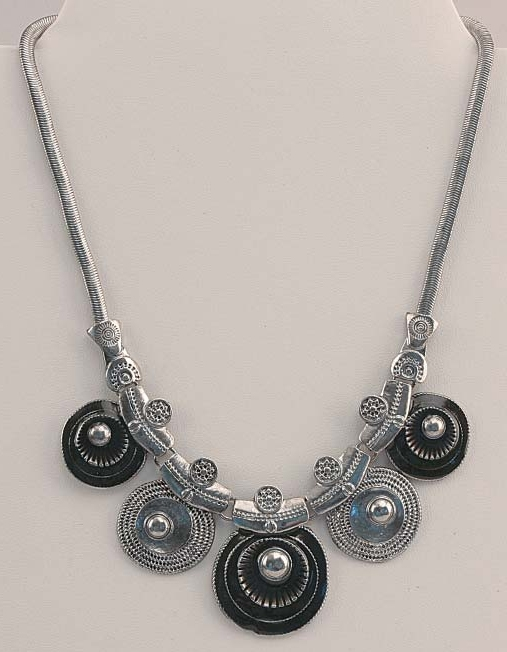 Silver Tone & Black Necklace - 049-40520